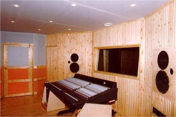 Debrolyet Studio
